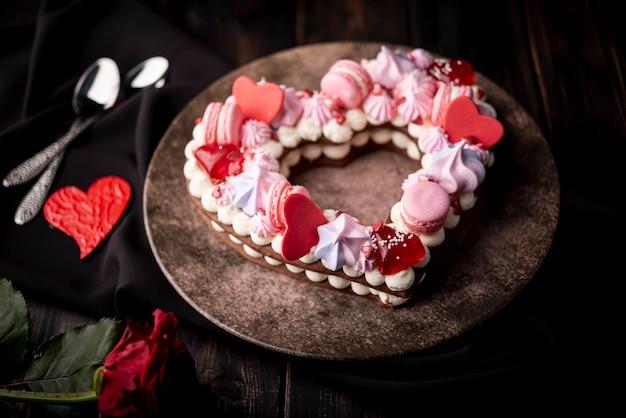 Walentynka Dnia Tort Na Talerzu Z Sercami I Różą Darmowe Zdjęcia