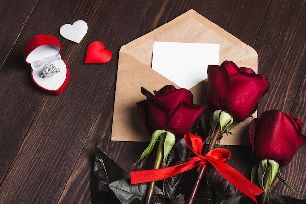 Walentynki koperta list miłosny z pierścionek zaręczynowy kartkę z życzeniami Darmowe Zdjęcia