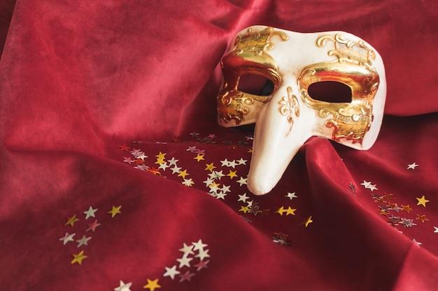 Weneckie maski z długim nosem i gwiazda konfetti Darmowe Zdjęcia