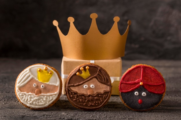Wesołego Trzech Króli Smaczne Ciastka I Złota Korona Darmowe Zdjęcia