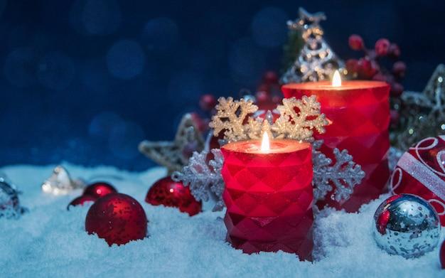 Wesołych świąt I Szczęśliwego Nowego Roku, Wakacje Kartkę Z życzeniami Z Tło Niewyraźne Premium Zdjęcia