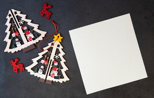 Wesołych świąt Pustą Kartkę Z życzeniami Na Czarnym Tle. Premium Zdjęcia