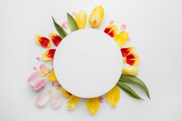 Wianek Wykonany Z Płatków Kwiatów Darmowe Zdjęcia
