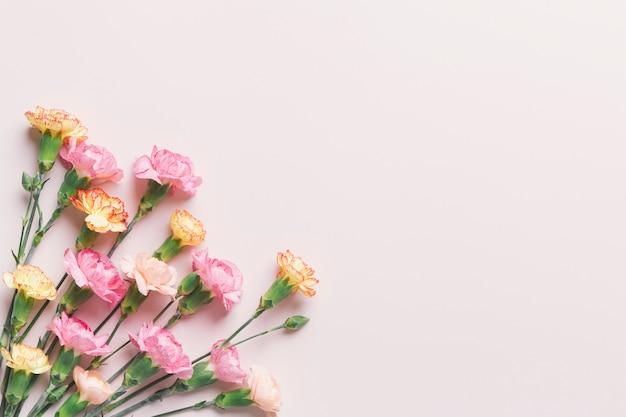 Wiązka Pomarańczowi I Różowi Kwiaty Darmowe Zdjęcia