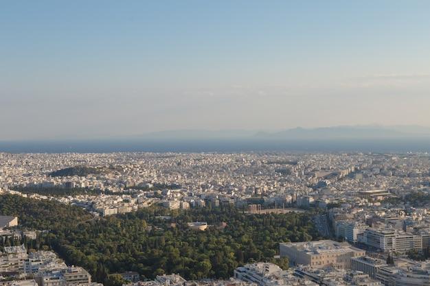 Widok Ateny Miasto Z Górą Lycabettus, Grecja Premium Zdjęcia