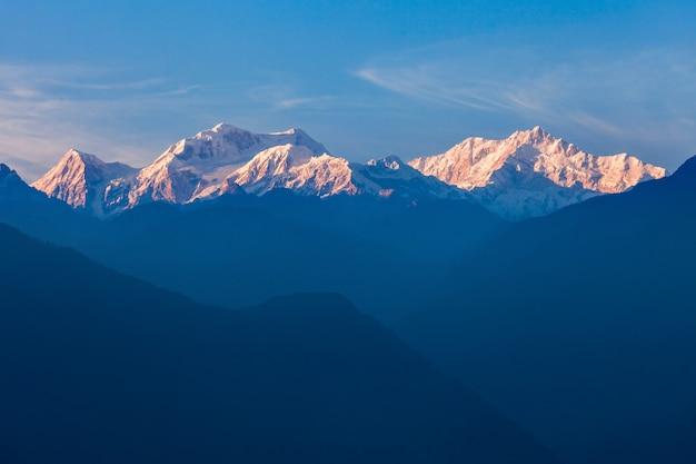 Widok Na Góry Kangchenjunga Premium Zdjęcia