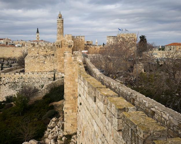 Widok Ramparts Chodzi Z Wierza David W Tle, Jerozolima, Izrael Premium Zdjęcia