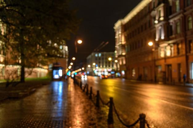 Widok Ruch Drogowy W Miasto Ulicy Bokeh Zamazanym Tle, Noc Premium Zdjęcia