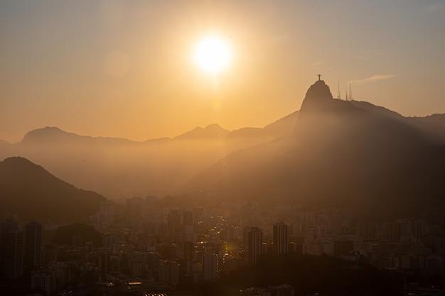Widok Sugar Loaf, Corcovado I Guanabara, Rio De Janeiro, Brazylia Premium Zdjęcia