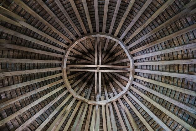 Widok Wnętrza średniowiecznego Dachu Fortu Premium Zdjęcia