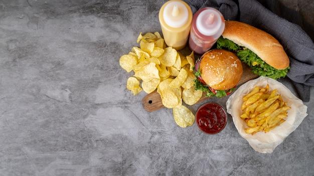 Widok z góry fast food z miejsca kopiowania Darmowe Zdjęcia