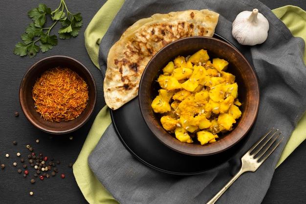 Widok Z Góry Indyjskie Jedzenie I Przyprawy Darmowe Zdjęcia