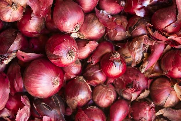Widok Z Góry Kilka Organicznych Czerwonej Cebuli Premium Zdjęcia