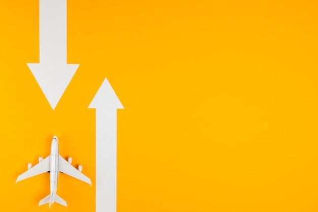Widok z góry na dwa sposoby i jeden samolot Darmowe Zdjęcia