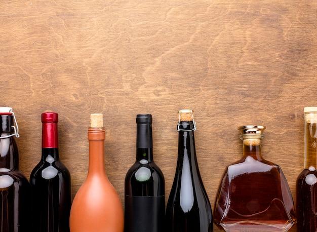 Widok Z Góry Na Mieszankę Butelek Alkoholu Darmowe Zdjęcia