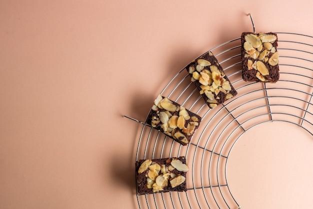 Widok Z Góry Na świeżo Upieczone Ciasteczka Migdałowe Premium Zdjęcia