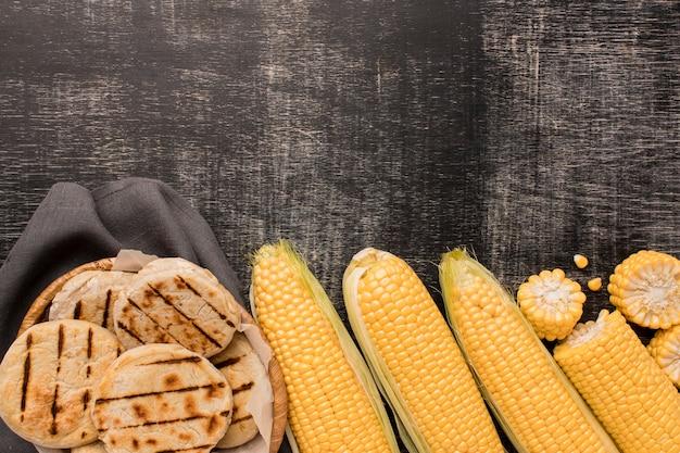 Widok Z Góry Na Układ Kukurydzy I Arep Darmowe Zdjęcia