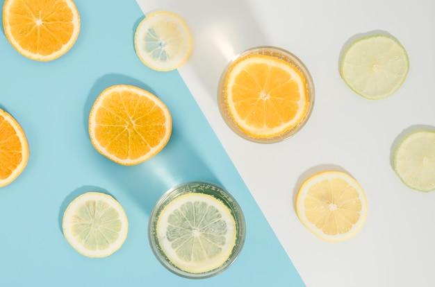 Widok z góry plastry pomarańczy i cytryny Darmowe Zdjęcia