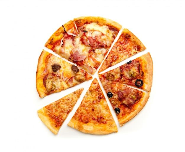 Widok Z Góry Pokrojona Pizza Premium Zdjęcia