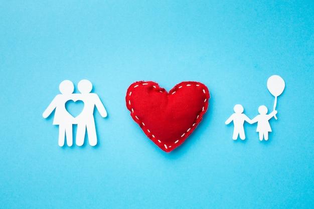 Widok Z Góry Postać Rodziny Z Sercem Koncepcji Darmowe Zdjęcia