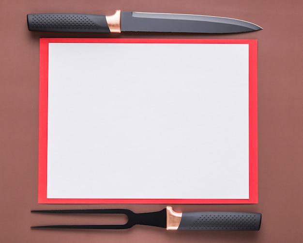 Widok Z Góry Puste Menu Papieru Z Nożem I Widelcem Darmowe Zdjęcia