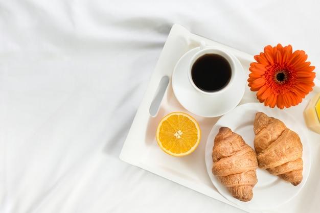 Widok Z Góry śniadanie W łóżku W Dzień Matki Darmowe Zdjęcia
