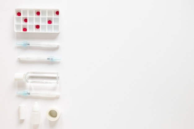 Widok Z Góry środki Przeciwbólowe Z Antybiotykami Na Stole Darmowe Zdjęcia