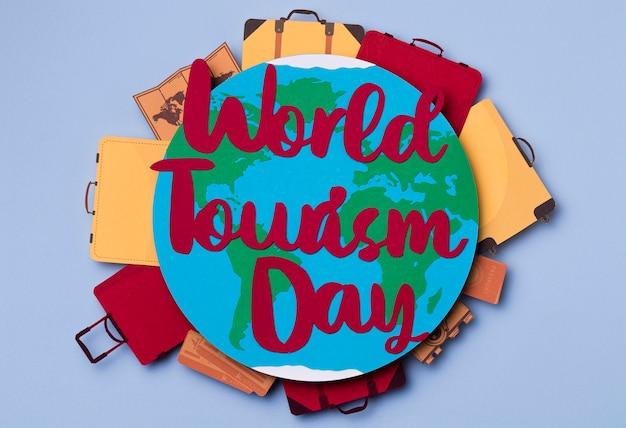 Widok Z Góry światowy Dzień Turystyki Z Napisem Darmowe Zdjęcia
