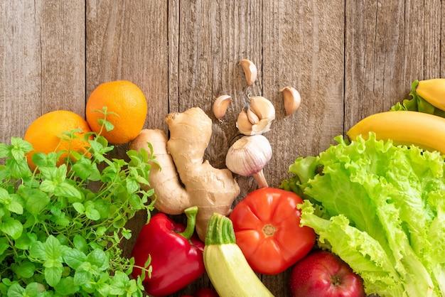Widok Z Góry Warzywa I Owoce Premium Zdjęcia