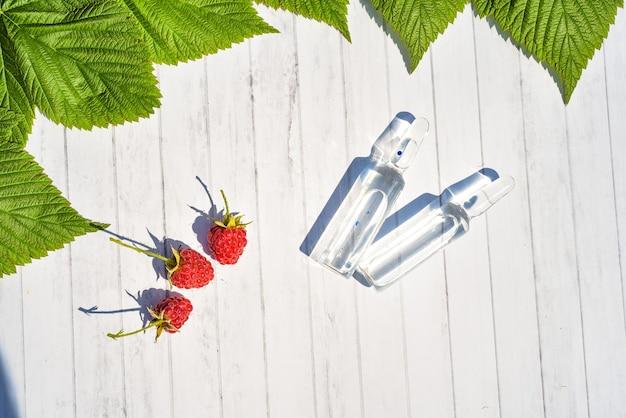 Widok Z Góry Witaminy Przeciwutleniaczy. Organiczny Lek Ziołowy Z Naturalnego Zielonego Liścia Uzupełniającego I Produktu Do Pielęgnacji Zdrowia Premium Zdjęcia