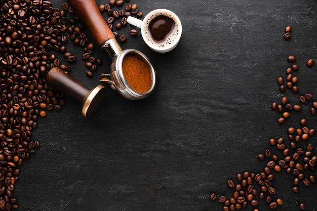 Widok z góry ziaren kawy z miejsca kopiowania Darmowe Zdjęcia