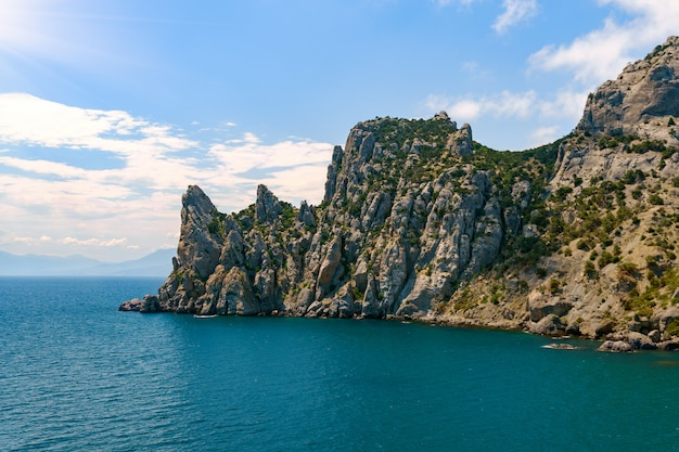 Widok Z Lotu Ptaka Na Morze, Widok Z Góry, Niesamowite Tło Natura. Kolor Wody I Pięknie Jasny Premium Zdjęcia