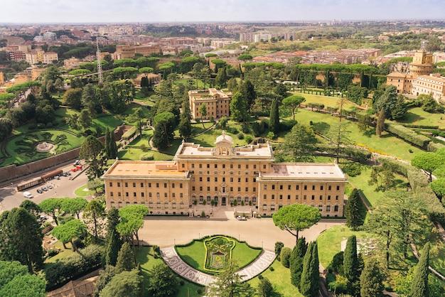 Widok Z Lotu Ptaka Ogrodów Watykańskich :. Pałac Gubernatora, Ogrody, Radio Watykańskie, Klasztor. Rzym, Włochy Premium Zdjęcia