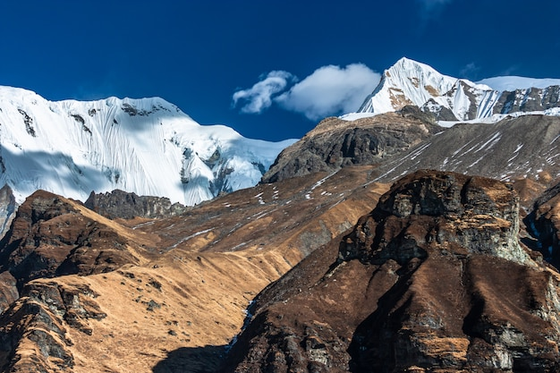 Widok Z Obozu Bazowego Annapurna. Nepal Himalaje Premium Zdjęcia