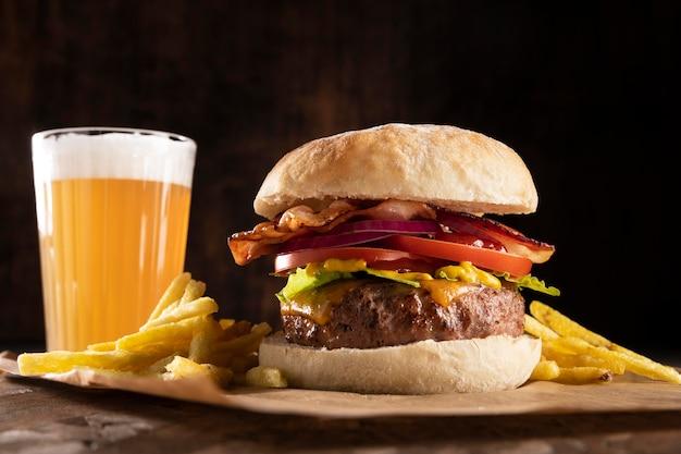 Widok Z Przodu Asortyment Pysznych Burgerów Darmowe Zdjęcia