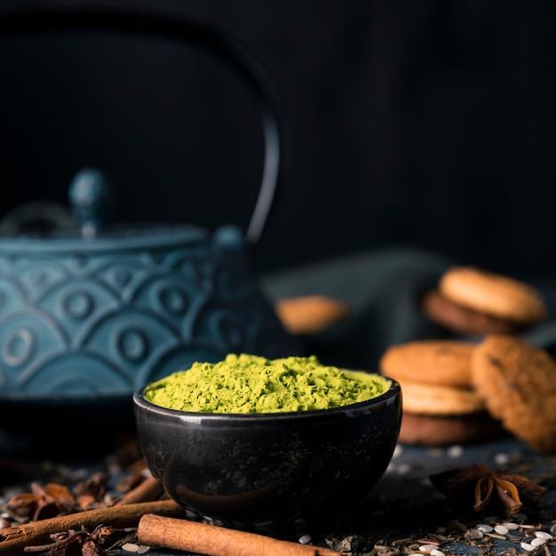Widok z przodu miska zielonej herbaty w proszku Darmowe Zdjęcia