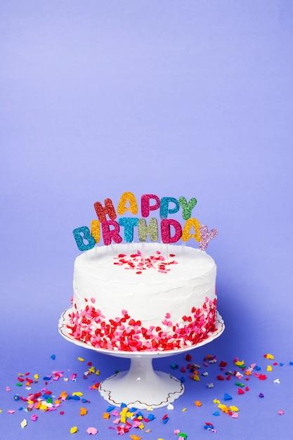 Widok Z Przodu Pyszny Tort Urodzinowy Z Premium Zdjęcia