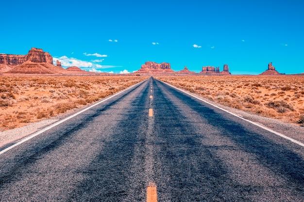 Widok Z Usa Malownicza Droga Do Monument Valley Park W Stanie Utah Darmowe Zdjęcia
