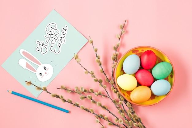 Wielkanoc W Biurze Pracy Na Różowym Stole Darmowe Zdjęcia