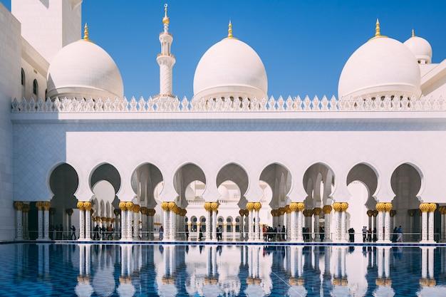 Wielki Meczet W Abu Zabi Premium Zdjęcia