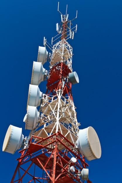 Wieża łączności Premium Zdjęcia