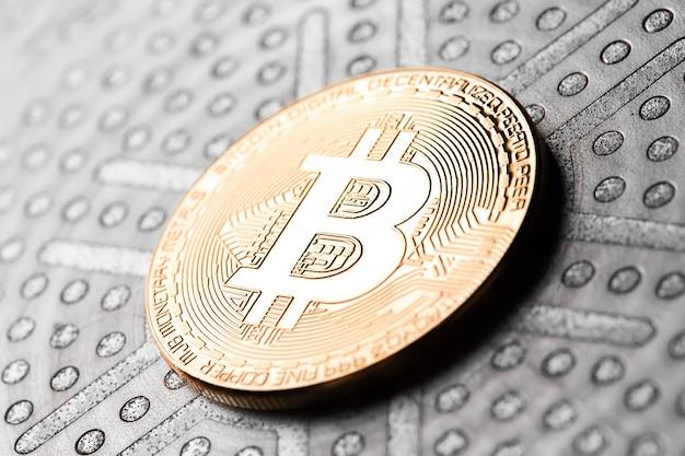 Wirtualne pieniądze bitcoiny. koncepcja światowej kryptowaluty. Premium Zdjęcia