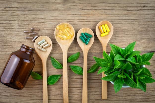 Witaminy przeciwutleniacze, pigułki, organiczne leki ziołowe i suplement z natury Premium Zdjęcia