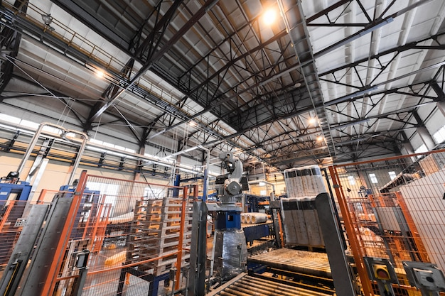 Włókna szklanego przemysłu produkcji wyposażenie przy manufaktury tłem Premium Zdjęcia