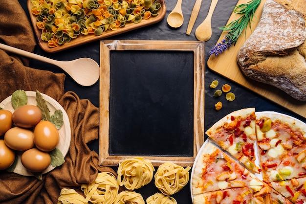 Włoski Skład żywności Z łupek W środku Darmowe Zdjęcia