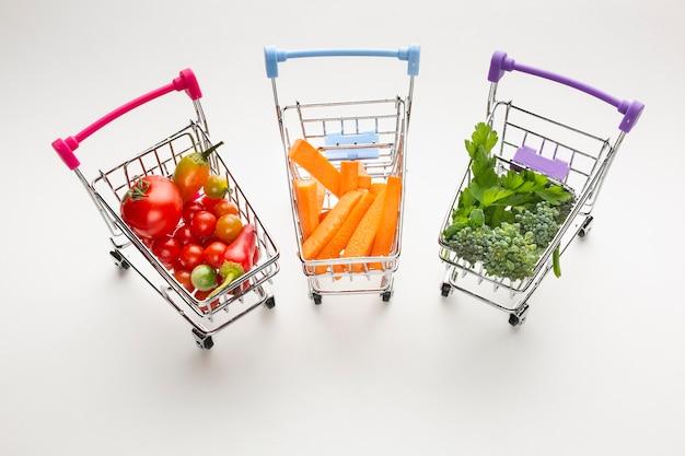 Wózki Sklepowe Z Pysznymi Warzywami Darmowe Zdjęcia