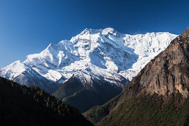 Wschód Słońca W Górach Annapurna Premium Zdjęcia