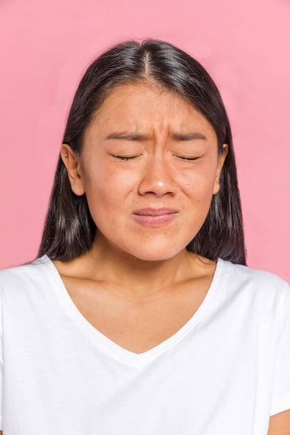 Wyraz twarzy kobiet pokazujący strach Darmowe Zdjęcia