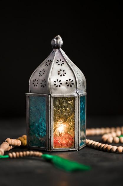 Wysoka Kąt świeczka Na Ramadan Dniu Darmowe Zdjęcia