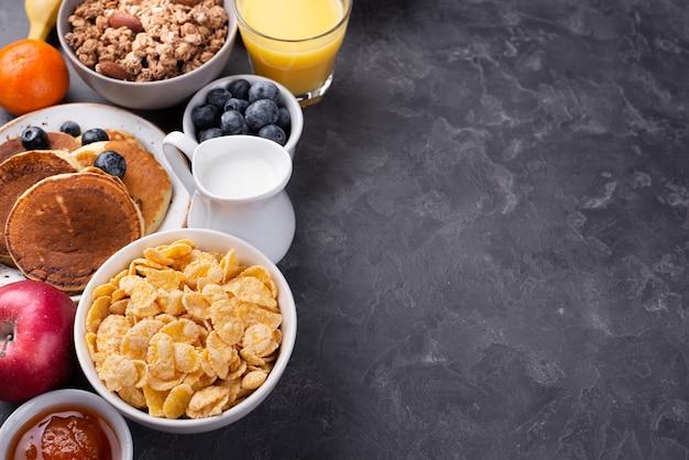 Wysoki Kąt Asortymentu śniadania Z Miejsca Kopiowania Darmowe Zdjęcia